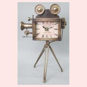 レトロ調なシネマカメラデザインの置時計|sshana