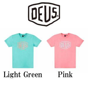 デウスエクスマキナ DeusExMachina SUN BLEACH SHIELD TEE ロゴ Tシャツ Light Green Pink メンズ Deus Ex Machina[衣類] ssshop