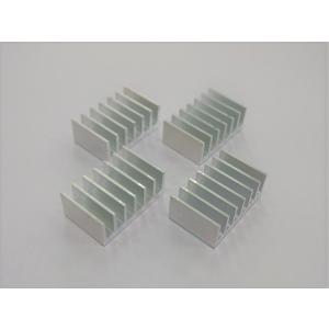 ヒートシンク (小) 4個セット 32mm×20mm×12mm 熱伝導両面粘着テープ付き