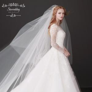輝いた花嫁にふさわしいウエディングベールです。  サイズ:長さ約3M   セット内容:ベール1点  ...