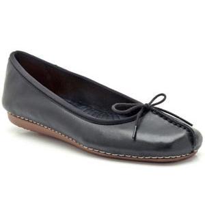 Clarks クラークス Freckle Ice フレックルアイス 213FA15-B リボン付き パンプス フラットヒール レディース 靴 お取り寄せ商品