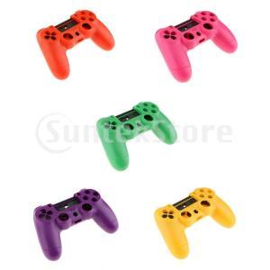 説明: すべてのボタン、トリガー、つまみスティックにアクセス可能な状態で、PS4コントローラーに最適...