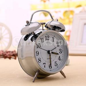 4 ''クラシック非刻々と鳴るクォーツアナログ時計常夜灯ツインベルテーブルデスクトップ目覚まし時計シルバー|stk-shop