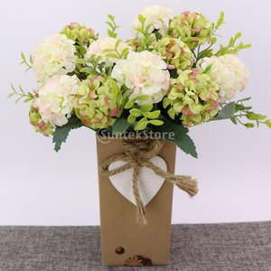 説明:  1束の人工菊花には9頭の花頭が含まれていますプラスチック布の花と葉、プラスチックのぶどう、...