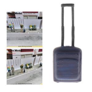 RM1 / 64レジンモデルタイニーフィギュアビジネストリップドールおもちゃブルースーツケース
