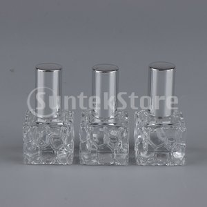 説明: シックなハニカムデザインの表面を持つ厚くて重い正方形のガラス瓶。  10ml容量、車、オフィ...