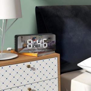デジタルLEDミラークロックUSBおよび電池式目覚まし時計