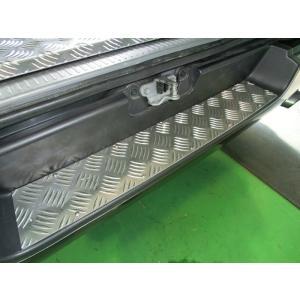 HIACE リアバンパー ステップカバー 【アルミシマ板】|stn-art-g-1