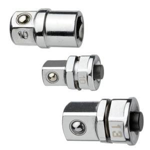 ギアレンチアダプターは、ラチェットコンビネーションレンチ等のメガネ部に取り付けてソケットやビットを使...