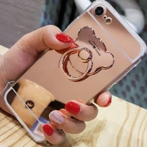 ミラーケースに可愛い熊のリングが付いた オシャレなiPhoneケース リングはシール式になっています...