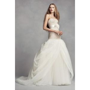 White by Vera Wang Split Front Wedding Dress  手すり付...