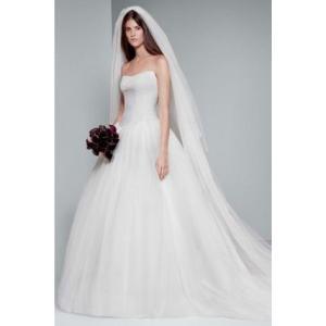 White by Vera Wang Chantilly Lace Wedding Dress  こ...