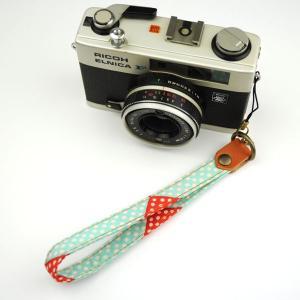 【和柄カメラハンドストラップ!】【18水玉】アンティーク着物の柄がレトロな和柄カメラストラップ!|studio-ichi