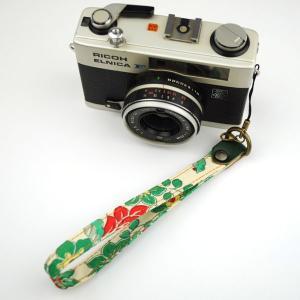 【和柄カメラハンドストラップ!】【21緑蔦】アンティーク着物の柄がレトロな和柄カメラストラップ!|studio-ichi
