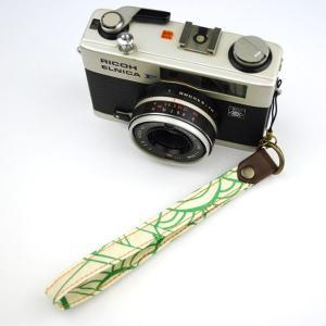 【和柄カメラハンドストラップ!】【32緑波】アンティーク着物の柄がレトロな和柄カメラストラップ!|studio-ichi