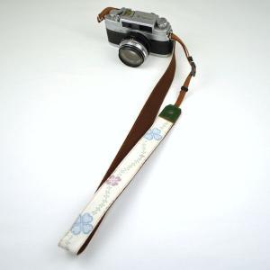 カメラストラップ 一眼レフ 和柄 デジカメストラップ 着物n29四つ葉|studio-ichi