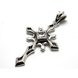送料無料 シルバーアクセサリー 純銀 シルバー925 クロス 十字架 ネックレス ペンダント ペンダントトップのみ 誕生日 プレゼント ギフト 贈り物 ギフトBOX付|style-on-stage