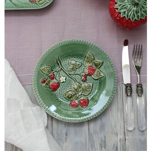スタイルロココ アンティークな輸入食器 ケーキプレート ケーキ皿(ストロベリー・イチゴモチーフ) ボルダロ・ピニェイロ ポルトガル製 おしゃれ シャビーシック アンティーク風 洋食器
