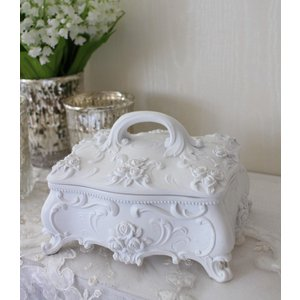 スタイルロココ 真っ白の可憐な存在感♪ 猫脚と薔薇のローズロココ・ジュエリーケース ホワイト 小物入れ 白 ボックス シャビーシック アンティーク風 アンティーク 雑貨 姫系 antique