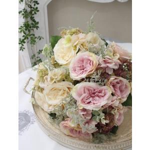 花束になったイングリッシュローズブーケ(クリーム・ピンク)  【シルクフラワー・アーティフィシャルフラワー】 花束 薔薇 造花 可愛い