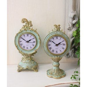 スタイルロココ エメラルドグリーンのシャビーな置時計 (スカラップ型、猫足型) 置時計 テーブルクロック 輸入雑貨 アンティーク調 アンティーク 雑貨 antique お洒落
