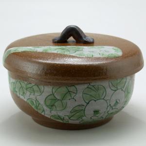 九谷焼 ご飯がくっつきにくい魔法のおひつ(蓋付レンジ鉢) 緑染付椿文|stylence