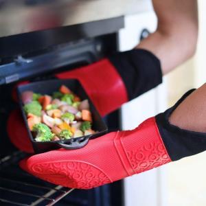 MKUTO 耐熱ミトン 鍋つかみ オーブンミトン 手袋 シリコン製 防水 滑り止め キッチン用 クッ...