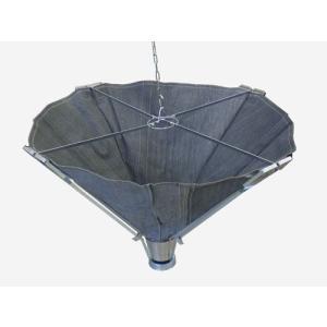 高所での溶接作業に! 耐熱性に優れた高性能スパッタシートを使用。