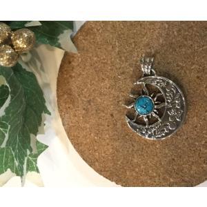 トップ ネックレス 太陽 月 浮き彫りハワイアントップ 天然石 ターコイズ SV