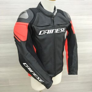 DAINESE RACING3 レザージャケット 美品 ライディング ツーリング メンズ サイズ44 Sサイズ ブラック系 ダイネーゼ バイクウェア N16078● sunstep