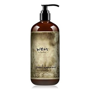リッチクリームで頭皮と髪を同時にケアする、新感覚のヘアクレンザー。 地肌の汚れを心地よく洗い上げて、...