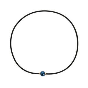 ●シンプルな細身の紐に、鏡のように磨き上げた球体トップをあわせました。トップには純チタンを採用し、錆...