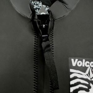 値下げしました!VOLCOM/ボルコム CHESTICLE JACKET BLACK/WHITE メンズ長袖タッパー 男性用サーフィン用ウェットスーツ 送料無料!!|surfingworld|07