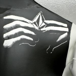 値下げしました!VOLCOM/ボルコム CHESTICLE JACKET BLACK/WHITE メンズ長袖タッパー 男性用サーフィン用ウェットスーツ 送料無料!!|surfingworld|09