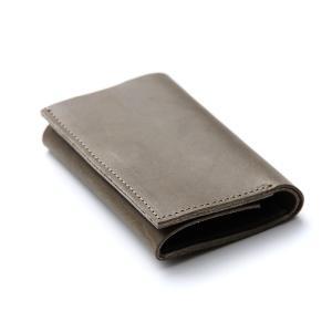 コンパクトな財布 m+ エムピウ straccio ストラッチョ ミネルバリスシオ グリージョ|surouweb