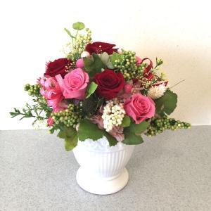 【送料無料】プリザーブドフラワー オリジナルアレンジ 赤・ピンク・グリーン系 (器・鉢タイプ) surprise-flower