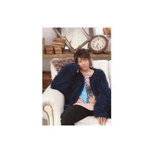 中古生写真(男性) 小坂涼太郎/膝上・衣装紺・ベージュ・ソファ座り・室内/「小坂涼太郎 2019.0...