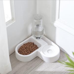 自動給水器 省スペース 送料無料 ペット 犬 猫 給水器 給水機 給餌器 給餌機 ペット用自動給餌器...