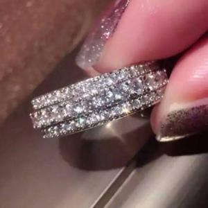 【海外発送】レディース CZダイヤモンド3連風フルエタニティリング キュービックジルコニア指輪 パヴ...