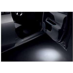 トヨタ純正部品 車種名:アクア 取り付けできる年式:平成23年12月〜26年12月 型式:NHP10...