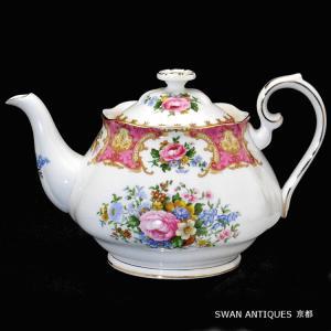 送料無料 ロイヤルアルバート 英国製 Royal Albert レディー カーライル ティーポット Lサイズ 未使用|swan-antiques
