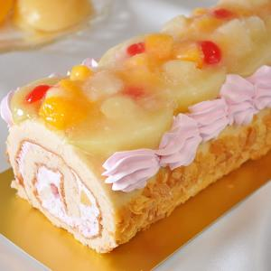 桃ケーキ ロールケーキ フルーツケーキ バースデーケーキ (桃たっぷりの大きなロールケーキ)誕生日や贈り物にも|swwetpremium|03