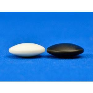 硬質ガラス碁石(1粒売り) 新生・梅(厚み約8mm)
