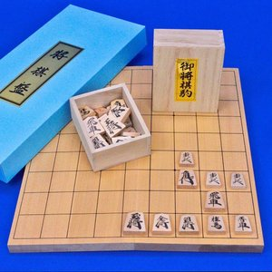 将棋セット 新桂6号折将棋盤セット(木製将棋駒上別製源平駒)