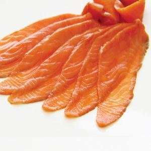 冷凍食品 業務用 スモークサーモン 500g    お弁当 そのまま使用 サラダ オードブル パーティ食材 魚介類|syokusai-netcom