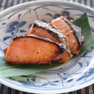 冷凍食品 業務用 サーモントラウト西京焼 20gx20切    お弁当 簡単調理 焼魚 さけ サケ シャケ|syokusai-netcom