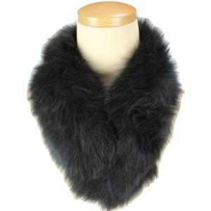 ・天然フォックスファーを使用したマフラーです。 ・衿もとにファーをプラスするだけでゴージャスな装いが...