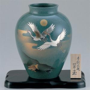 青銅製花瓶 翆玉(すいぎょく)彫金鶴亀 木製平板8号付|syoubidou
