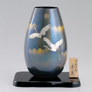 青銅製花瓶 秀麗 彫金翔鶴 木製すみれ平台10号付|syoubidou