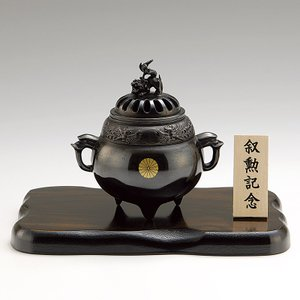 香炉 青銅製香炉 鳳寿獅子蓋 木製平板8号付桐箱入り|syoubidou
